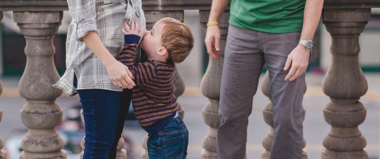 The John Weida family, Harrison kissing mom's tummy